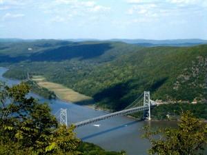 Bear Mountain Bridge over the Hudson, from Wikipedia via Creative Commones